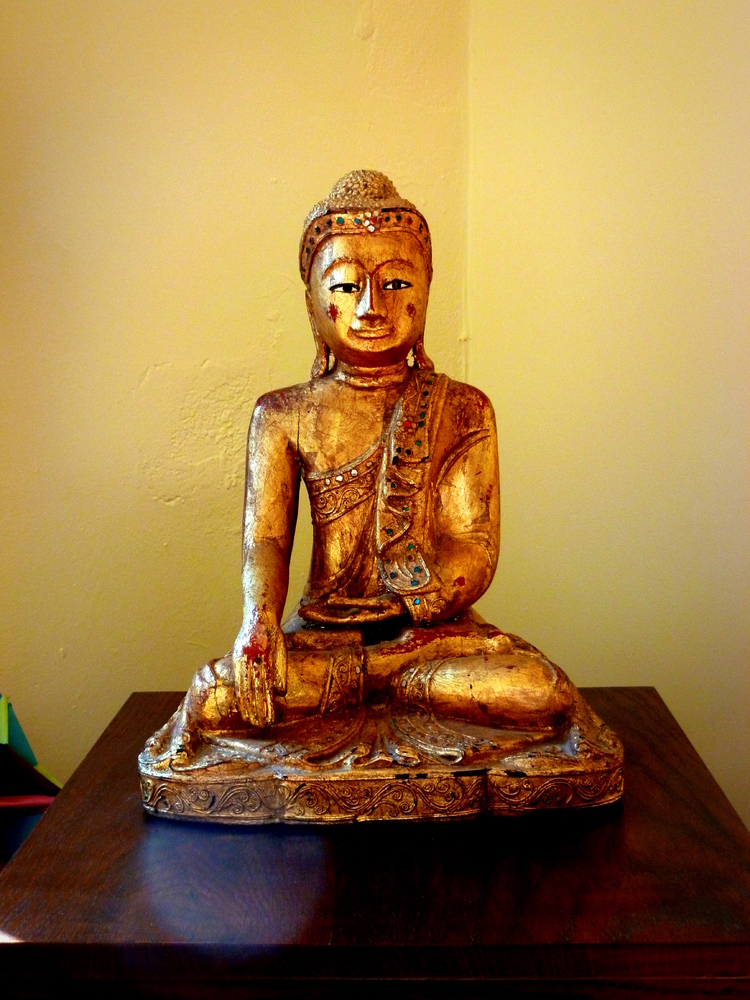 http://people.carleton.edu/~cborn/omeka/Northfield_Buddhist_Meditation_Center/NBMC_BuddhaStatueClose.jpg