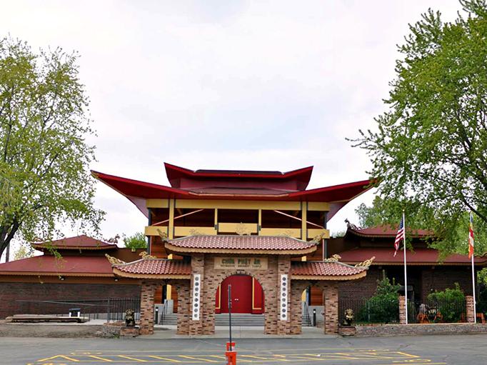 http://people.carleton.edu/~cborn/omeka/Phat-An_Temple/PA_Building2013.jpg