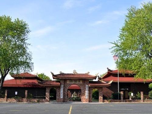 http://people.carleton.edu/~cborn/omeka/Phat-An_Temple/PA_Building2012.jpg