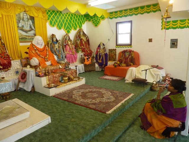 http://people.carleton.edu/~cborn/Minnesota_Hindu_Milan_Mandir/MHMM_SatyaSeat.png