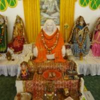 http://people.carleton.edu/~cborn/Minnesota_Hindu_Milan_Mandir/MHMM_GuruSeat.png
